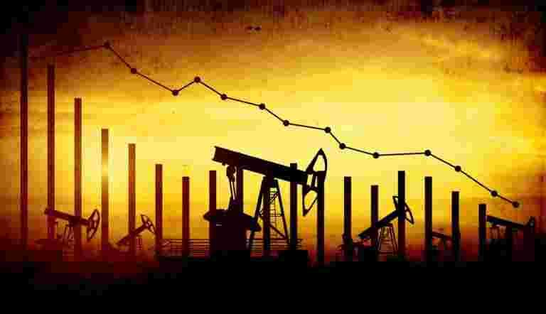 随着美国库存构建柜台供应恐惧,石油悬停在6个月的峰值附近