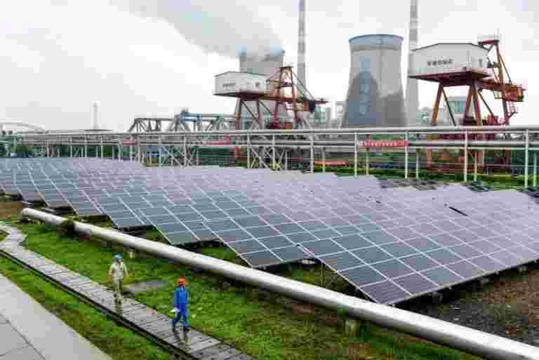 政府以50亿美元的传输线寻求投标以燃料可再生能源增长