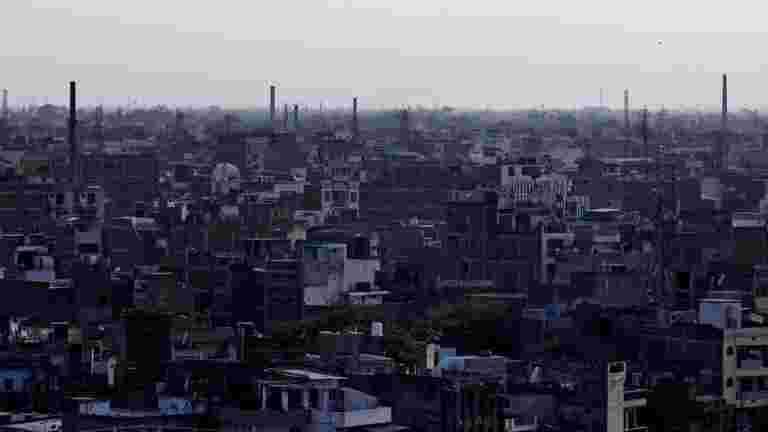 德里继续窒息空气质量很差