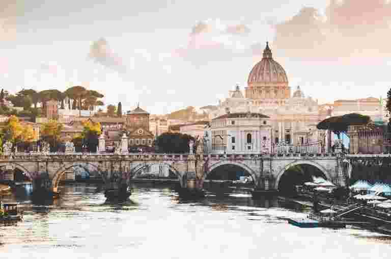 从Rani到Deepika,意大利已成为印度明星的热门婚礼目的地